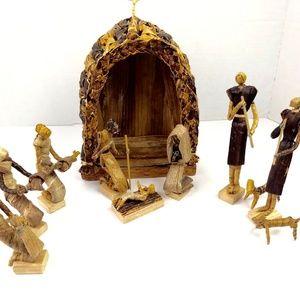 Nativity Set Woven Natural Fiber Scene Manger